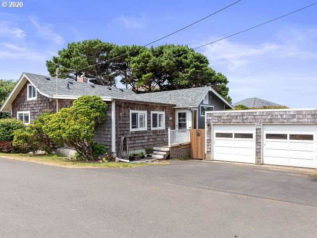 1565 NW 31ST Pl, Lincoln City, OR 97367 (MLS #20095110) :: Holdhusen Real Estate Group