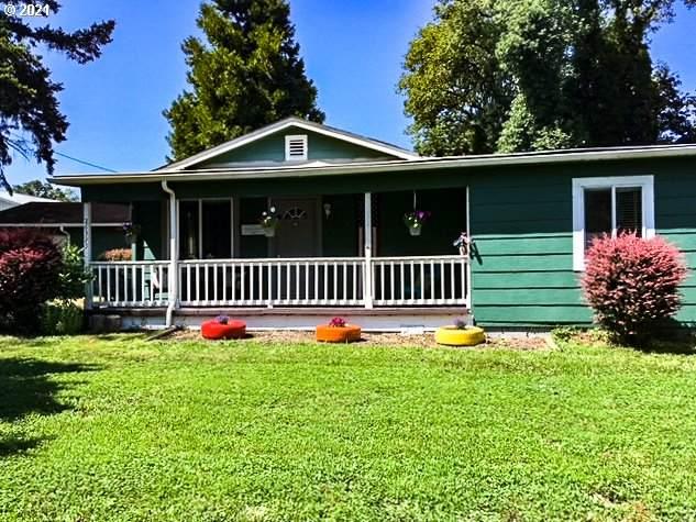 26393 Perkins Rd, Veneta, OR 97487 (MLS #20118272) :: TK Real Estate Group