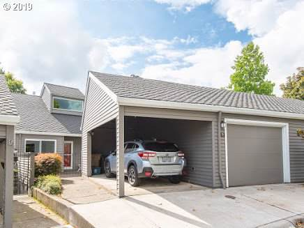 28 Greenridge Ct, Lake Oswego, OR 97035 (MLS #20126618) :: Next Home Realty Connection