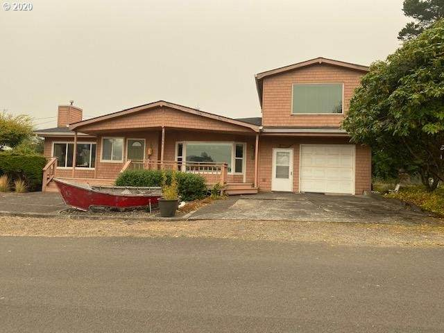 1064 S Front St, Rockaway Beach, OR 97136 (MLS #20136048) :: The Galand Haas Real Estate Team