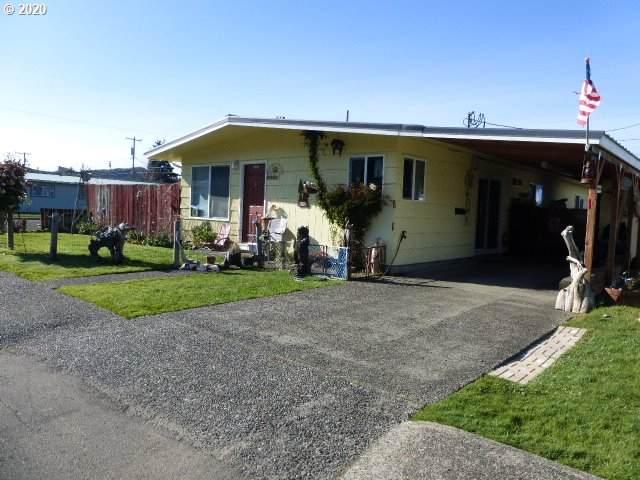 2091 Alder Ave, Reedsport, OR 97467 (MLS #20140659) :: Fox Real Estate Group