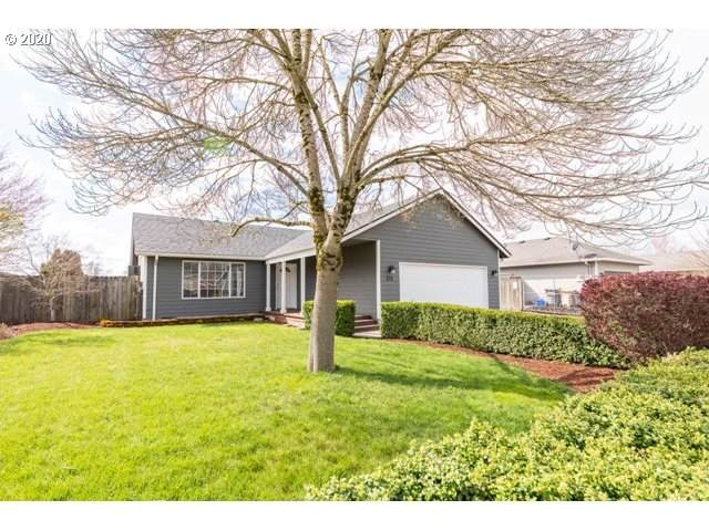 822 Smith St, Harrisburg, OR 97446 (MLS #20147235) :: Coho Realty