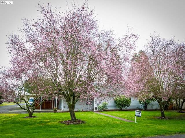 3686 4TH St, Hubbard, OR 97032 (MLS #20156388) :: The Liu Group