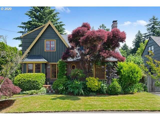 2554 NE 32ND Pl, Portland, OR 97212 (MLS #20157603) :: Fox Real Estate Group