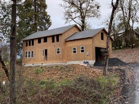 488 Terrace Dr, Glide, OR 97443 (MLS #20161386) :: McKillion Real Estate Group