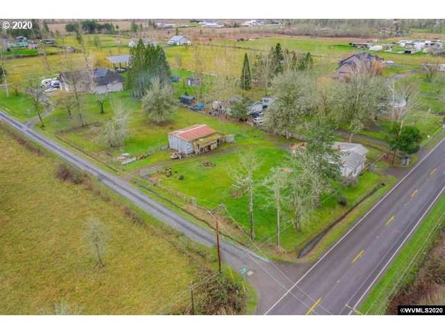 33198 Camas Swale Rd, Creswell, OR 97426 (MLS #20166541) :: Change Realty
