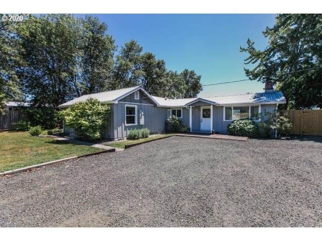 298 Coos Bay Wagon Rd, Roseburg, OR 97471 (MLS #20200865) :: Townsend Jarvis Group Real Estate