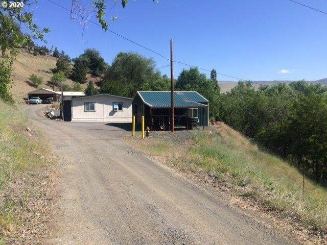 275 SW 4TH Ave, John Day, OR 97845 (MLS #20218004) :: McKillion Real Estate Group