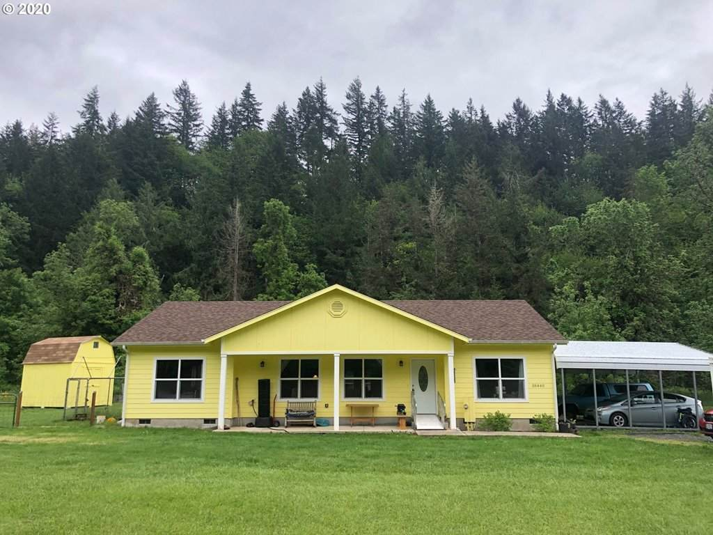 38440 Row River Rd, Dorena, OR 97434 (MLS #20227418) :: Song Real Estate