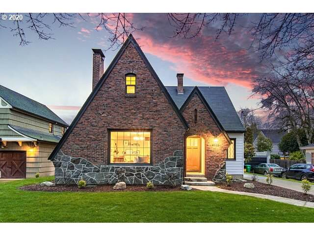 6535 SE 34TH Ave, Portland, OR 97202 (MLS #20259653) :: Townsend Jarvis Group Real Estate