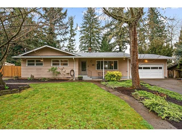 16910 Tracy Ave, Lake Oswego, OR 97035 (MLS #20261410) :: Premiere Property Group LLC