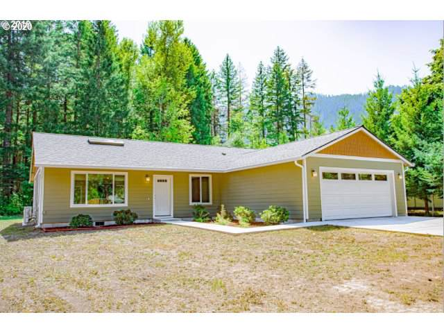 131 Russell Timber Ln, Carson, WA 98610 (MLS #20282155) :: Townsend Jarvis Group Real Estate