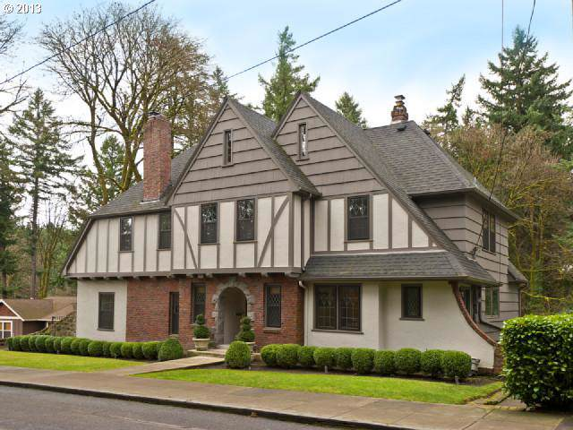 2700 SW Talbot Rd, Portland, OR 97201 (MLS #20299603) :: Song Real Estate