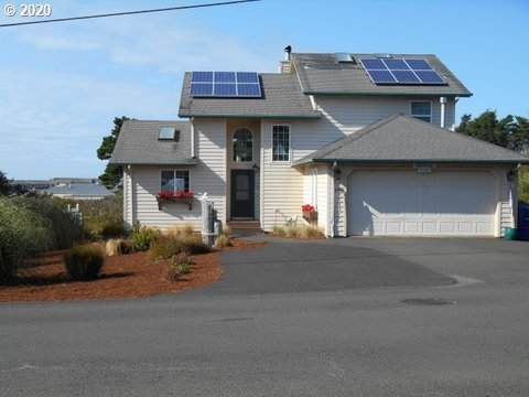 1715 NW 39TH St, Lincoln City, OR 97367 (MLS #20348406) :: Brantley Christianson Real Estate