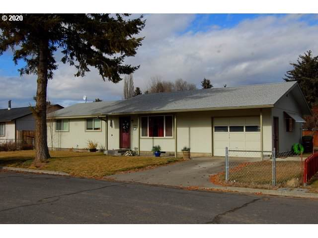 1221 SE 7TH St, Prineville, OR 97754 (MLS #20374373) :: Fox Real Estate Group