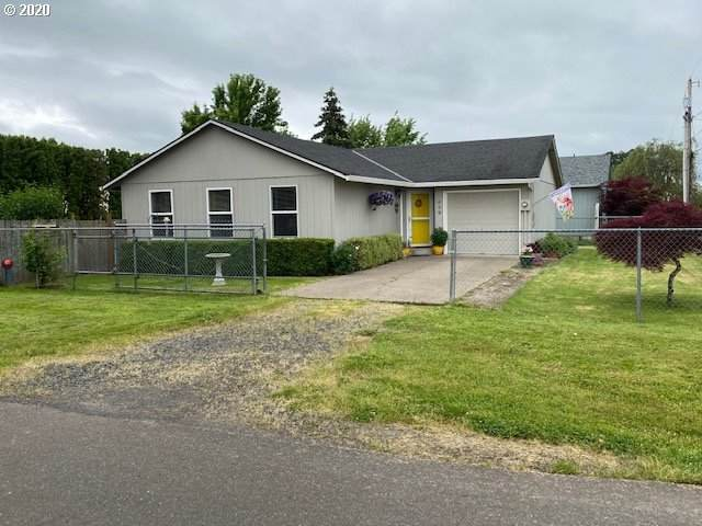 439 SE 9TH St, Dundee, OR 97115 (MLS #20385935) :: Brantley Christianson Real Estate