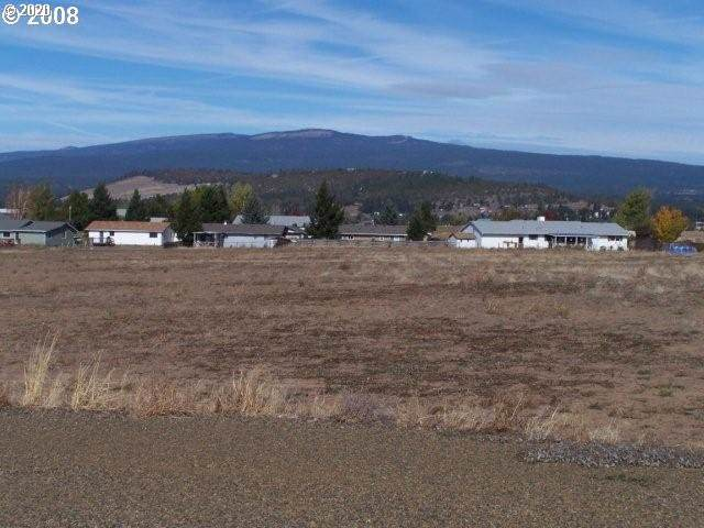 145 Pioneer Cir, Goldendale, WA 98620 (MLS #20397681) :: Next Home Realty Connection
