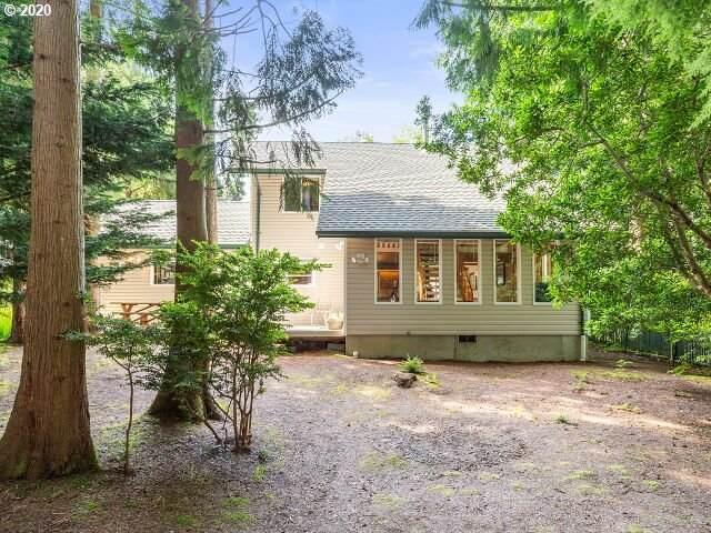 525 SE Pettinger St, Depoe Bay, OR 97341 (MLS #20422298) :: Holdhusen Real Estate Group