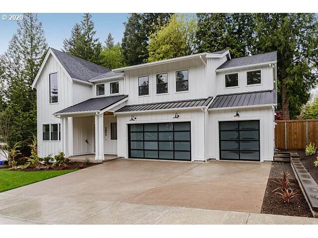 2895 SW West Point Ave, Portland, OR 97225 (MLS #20431409) :: Fox Real Estate Group