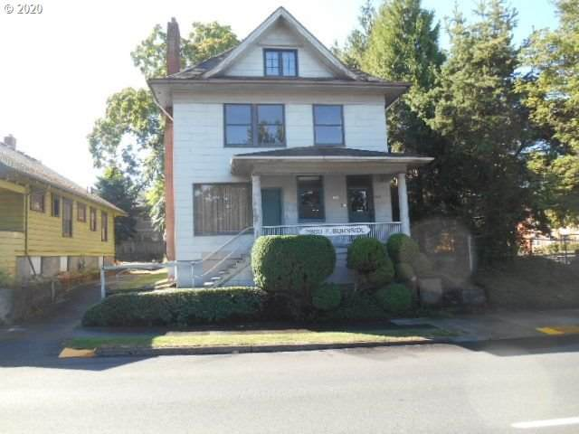2900 E Burnside St, Portland, OR 97214 (MLS #20438747) :: Premiere Property Group LLC