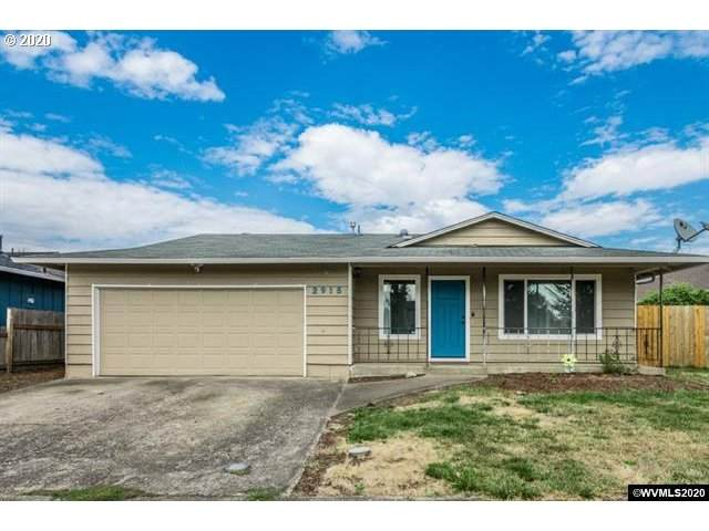 2915 29TH Ave, Albany, OR 97322 (MLS #20501356) :: The Liu Group