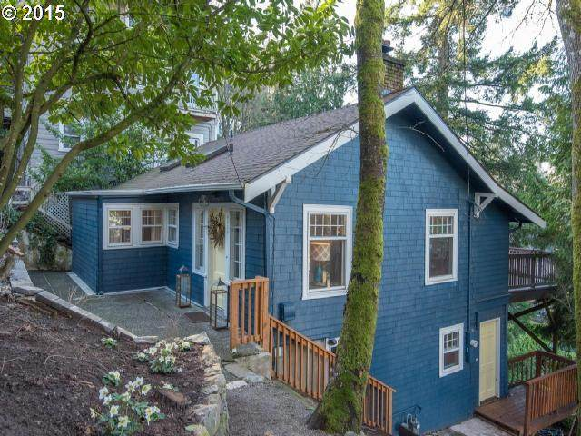 2839 SW Greenway Ave, Portland, OR 97201 (MLS #20522285) :: Real Tour Property Group