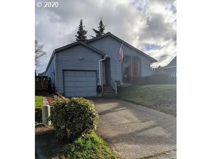 14165 SW Fanno Creek Dr, Tigard, OR 97224 (MLS #20536485) :: Next Home Realty Connection