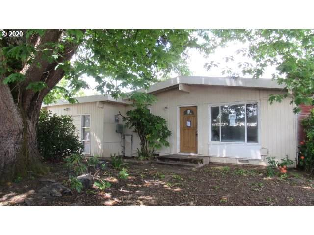 168 W Broccoli St, Roseburg, OR 97471 (MLS #20552799) :: Townsend Jarvis Group Real Estate