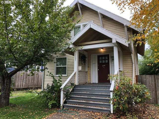 1735 SE Sherrett St, Portland, OR 97202 (MLS #20552917) :: Premiere Property Group LLC