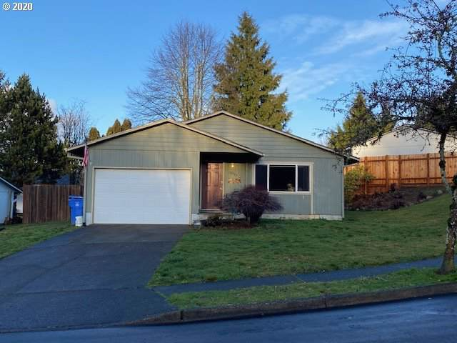 17755 Towle Dr, Sandy, OR 97055 (MLS #20561731) :: The Liu Group