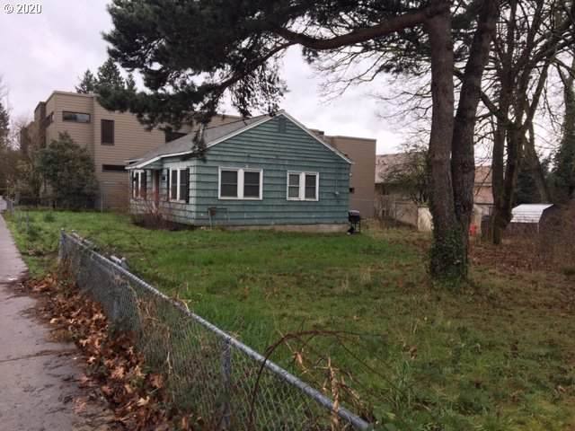 8415 SW 19TH Ave, Portland, OR 97219 (MLS #20563668) :: Next Home Realty Connection