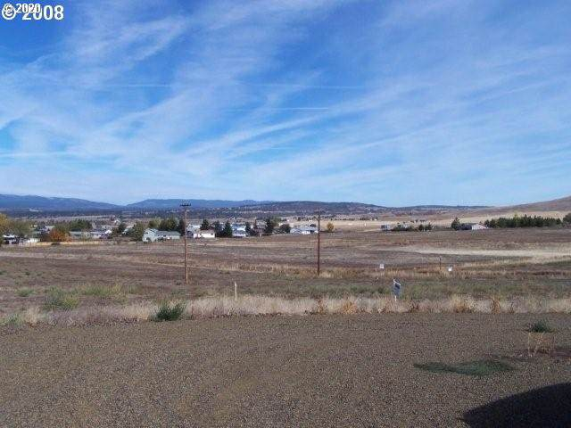 125 Pioneer Cir, Goldendale, WA 98620 (MLS #20578388) :: Next Home Realty Connection