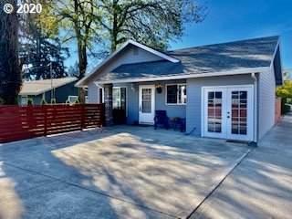 211 SE 143RD Ave, Portland, OR 97233 (MLS #20578972) :: Brantley Christianson Real Estate