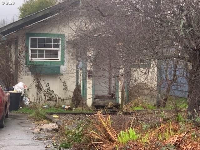 855 Myrtle Ave, Reedsport, OR 97467 (MLS #20580931) :: The Liu Group