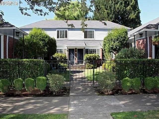 2105 NE Everett St #2, Portland, OR 97232 (MLS #20594288) :: McKillion Real Estate Group