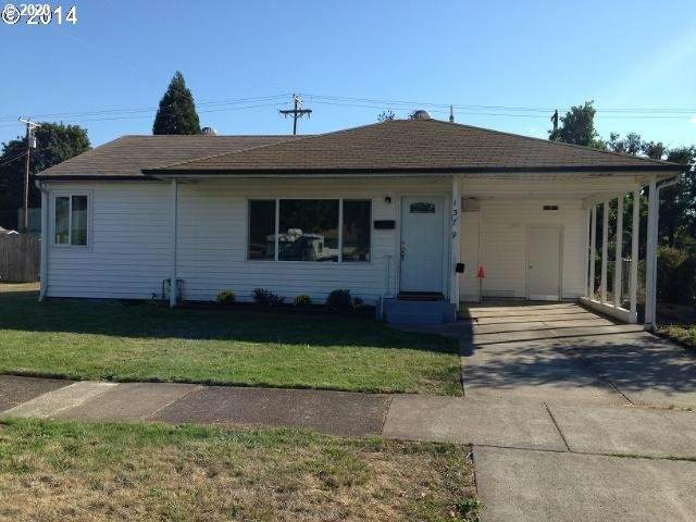 1379 L St, Springfield, OR 97477 (MLS #20625296) :: Song Real Estate