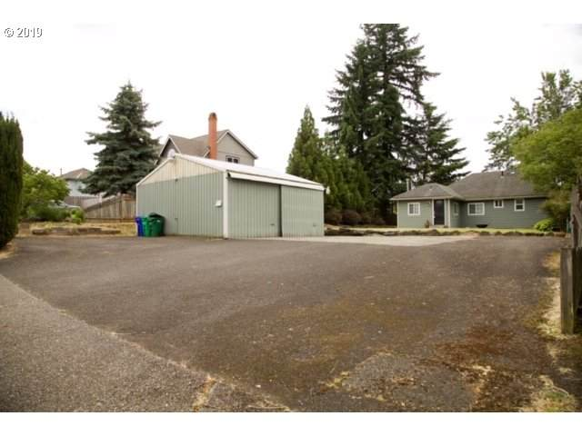 12700 SE Majestic Ln, Happy Valley, OR 97086 (MLS #20654013) :: Next Home Realty Connection