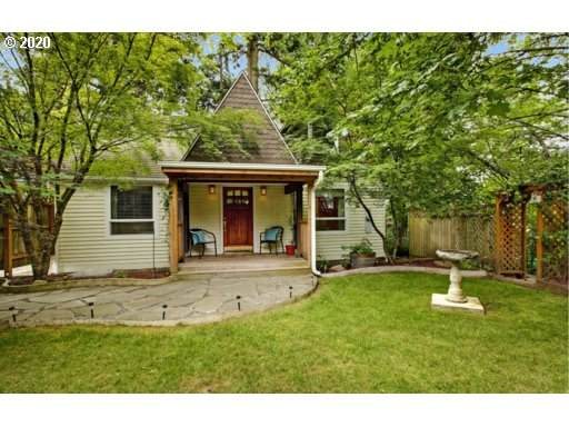 4980 SW Dickinson St, Portland, OR 97219 (MLS #20654755) :: Holdhusen Real Estate Group
