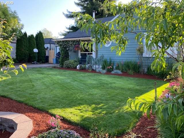 360 23RD St, Springfield, OR 97477 (MLS #20656168) :: Holdhusen Real Estate Group
