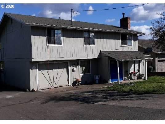 1523 NW Grove St, Roseburg, OR 97471 (MLS #20682028) :: Song Real Estate