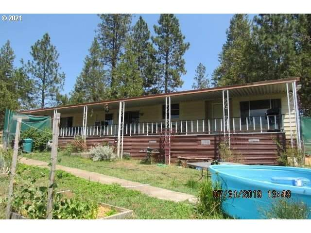 6187 New Hope Rd, Grants Pass, OR 97527 (MLS #21006383) :: Change Realty