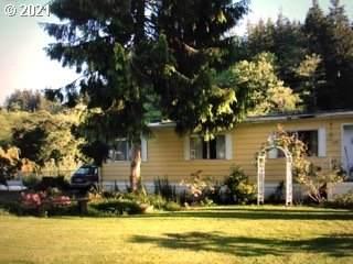 870 N River Bend Rd, Otis, OR 97368 (MLS #21006930) :: Premiere Property Group LLC