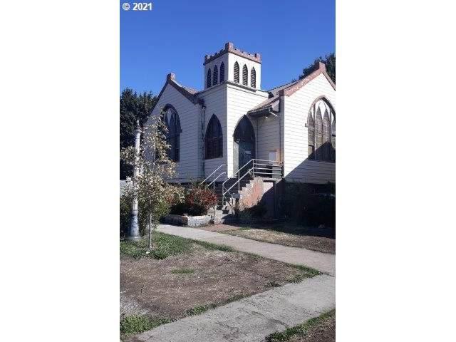 2105 Fir St, La Grande, OR 97850 (MLS #21013875) :: Cano Real Estate