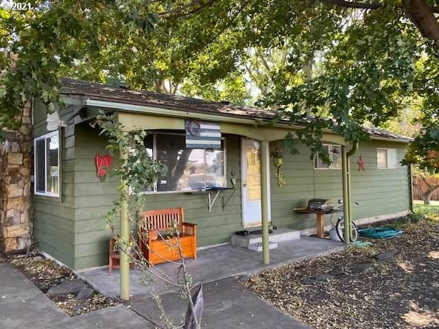 784 W Grande Ave, Union, OR 97883 (MLS #21031340) :: McKillion Real Estate Group