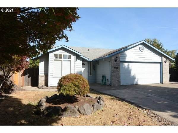 1085 Cedar St, Forest Grove, OR 97116 (MLS #21034298) :: Fox Real Estate Group