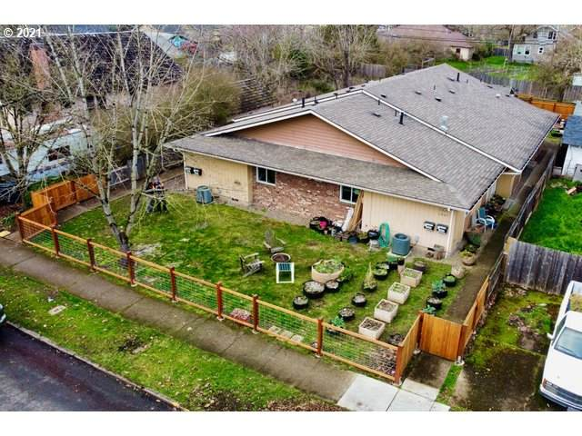 1025 W 11TH Ave, Eugene, OR 97402 (MLS #21063141) :: RE/MAX Integrity