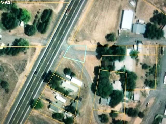 1 Hwy 66, Keno, OR 97627 (MLS #21087369) :: Song Real Estate