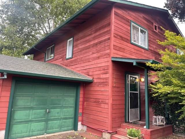 135 S R St, Cottage Grove, OR 97424 (MLS #21088890) :: Townsend Jarvis Group Real Estate