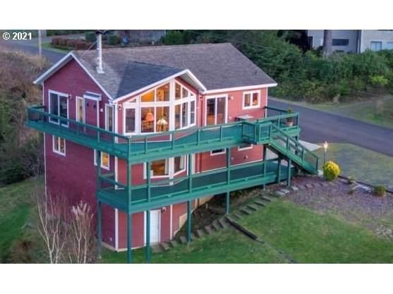 7260 Dana Ln, Pacific City, OR 97135 (MLS #21090885) :: McKillion Real Estate Group