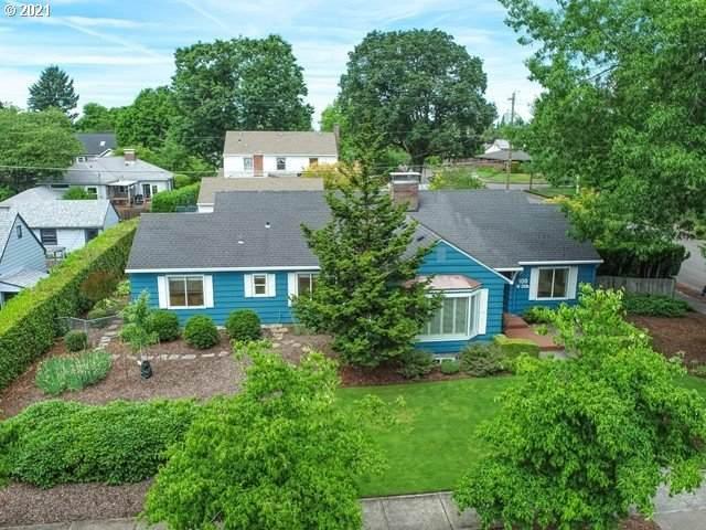 100 W 35TH St, Vancouver, WA 98660 (MLS #21115822) :: McKillion Real Estate Group